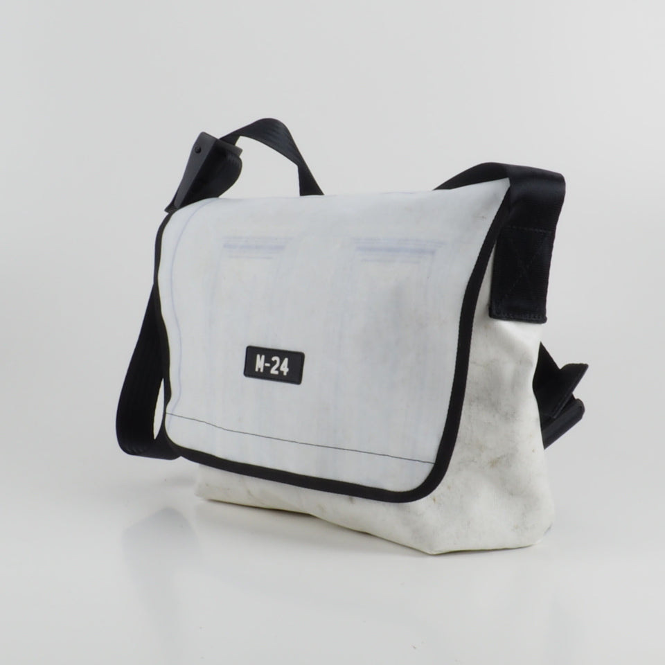 Messenger - white - No.807
