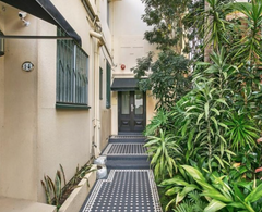 1-4 Hughes Street, POTTS POINT