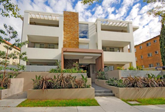 11 Flood Street, BONDI