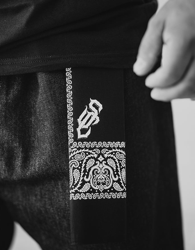 STRENGTH CARTEL SC BLACK BANDANA