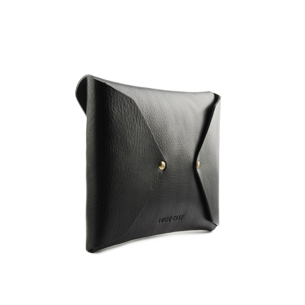 Simple Clutch in Black