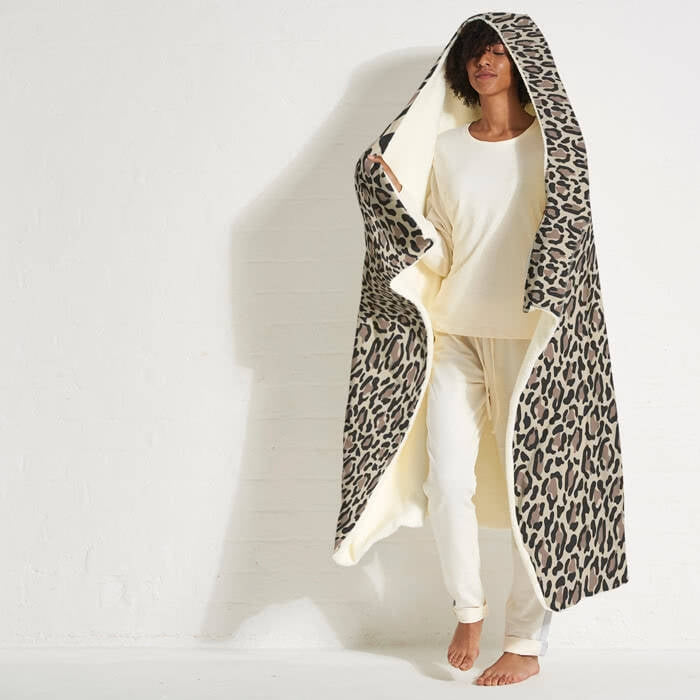ClaireaBella Leopard Print Hooded Blanket - Image 4