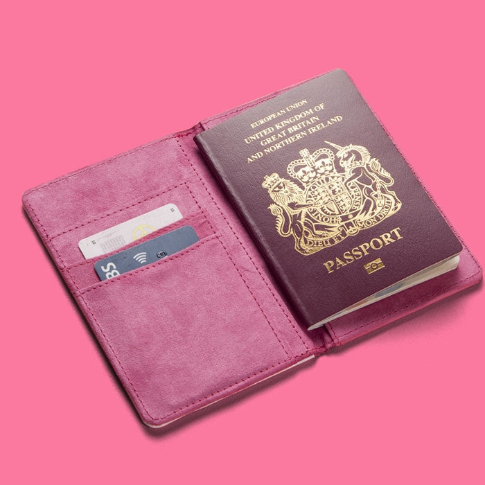 Betty Boop Glitzy Heart Passport Cover - Image 3
