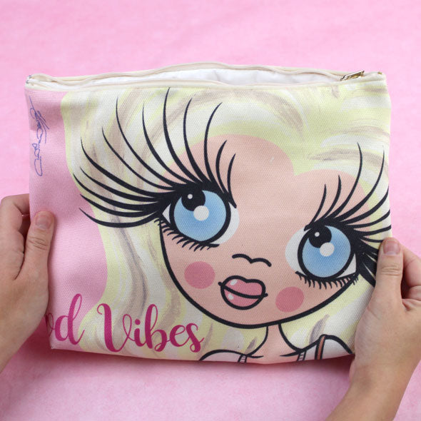 ClaireaBella Close Up Wash Bag - Image 4