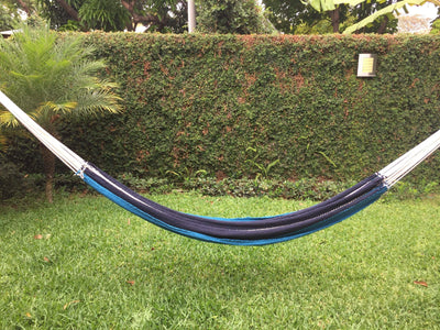 Hammock Universe Canada Nicaraguan Hammock with Eco-Friendly Bamboo Stand