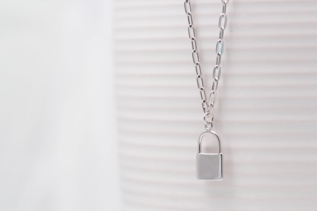 Link Chain Lock Necklace