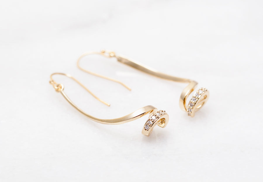 Drop Twist Earring