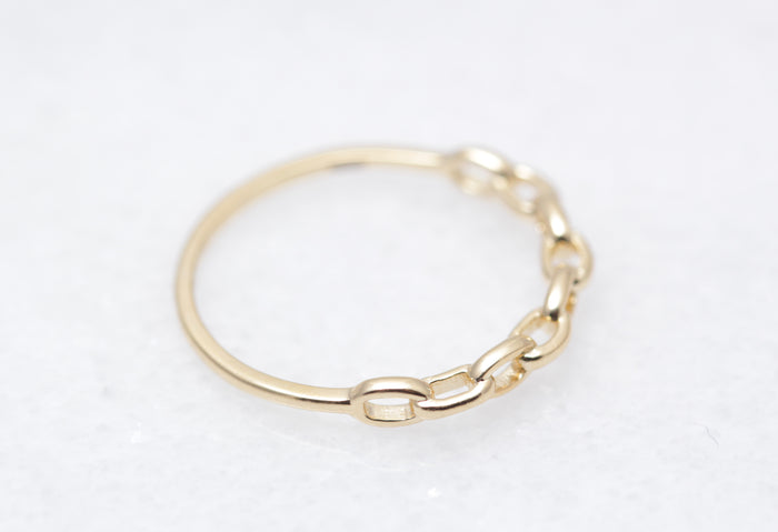 Petite Link Chain Ring