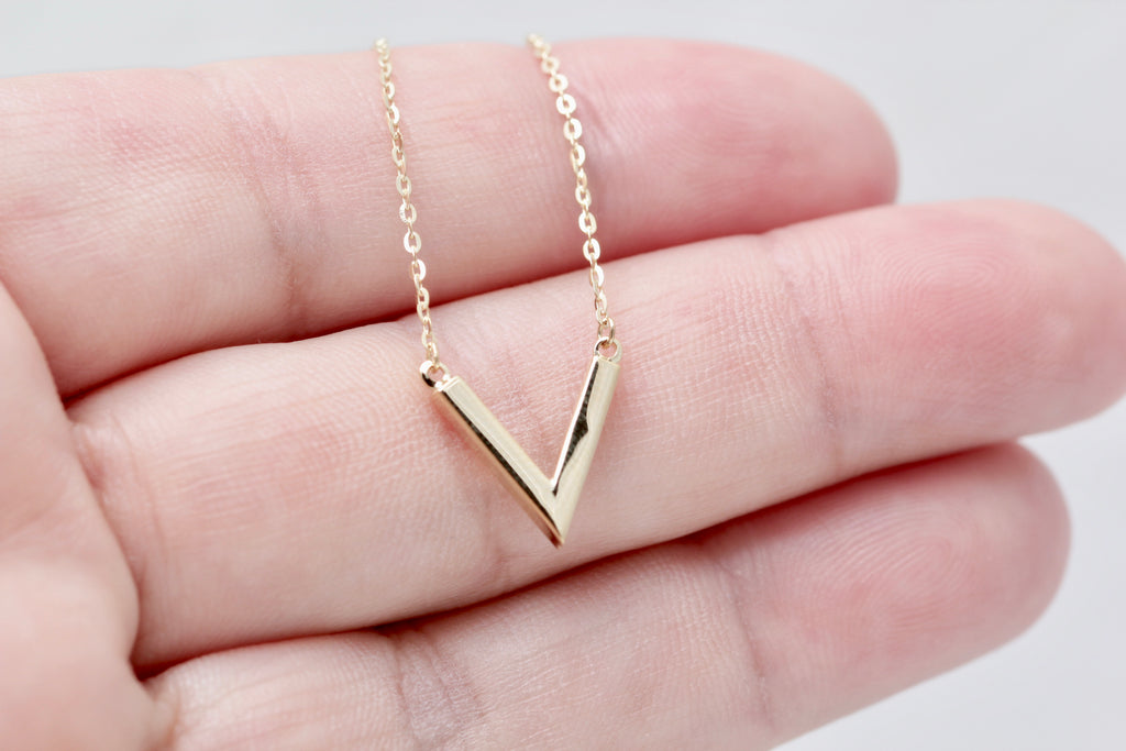 10K Chevron Necklace