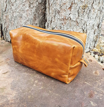 Load image into Gallery viewer, Leather Toiletry Bag - Carmel