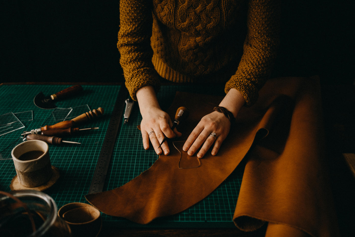 handcrafted leather goods, bengjyminu leather goods