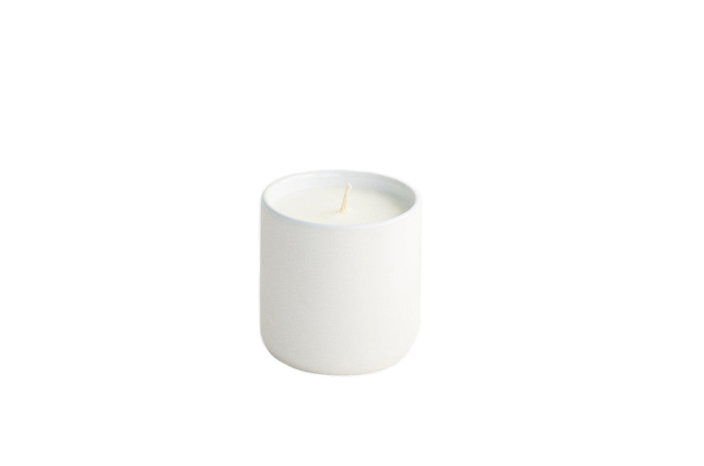10.5oz Citrus + Black Currant Candle White
