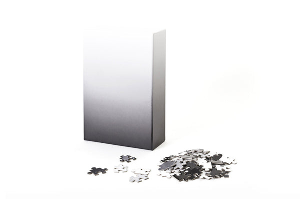 Gradient Puzzle (black/white)