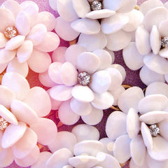 In Full Bloom Necklace - White