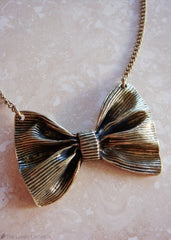 Getting to Bow You Necklace