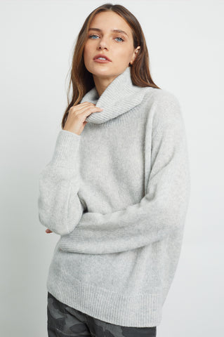Imogen long sleeve, cashmere and silk turtleneck sweater in Mist - front