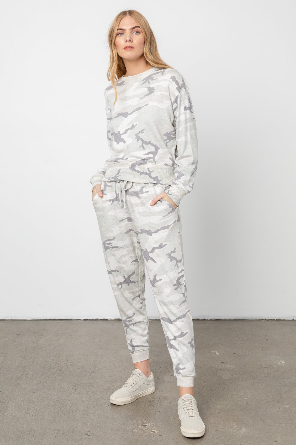 oakland stone camo sweatpants front