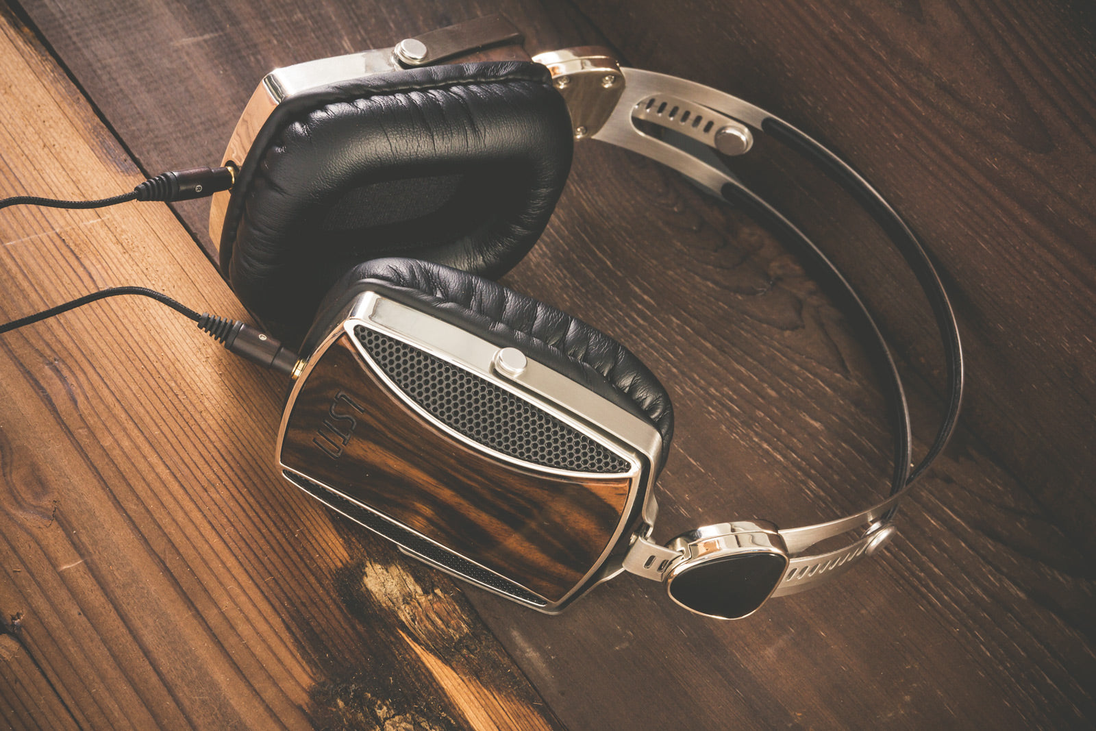 lstn sound encore headphones for corporate gifts and holiday gifts