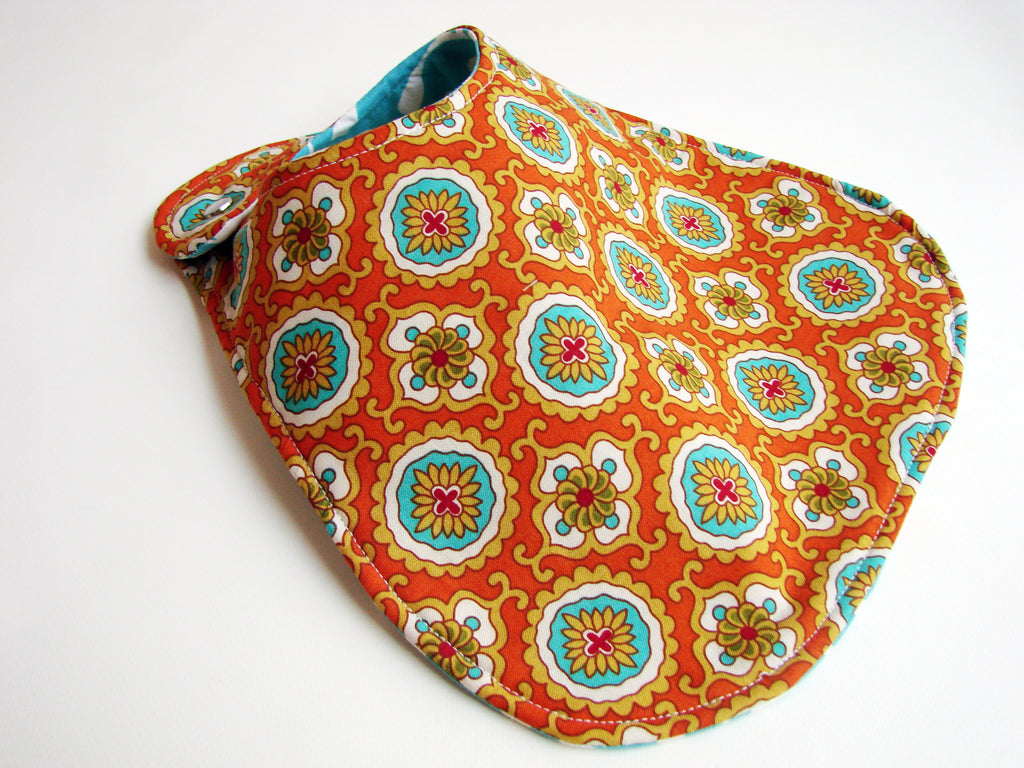 It's the BiBitty - Sugar and Spice Edition - A Montessori and Waldorf Inspired Self Feeding Bib