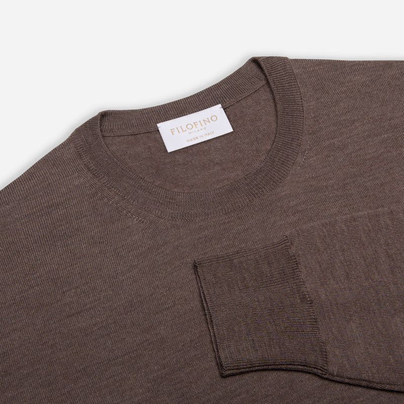 Extra Fine Merino Wool Crewneck in Hazelnut, detail of collar and sleeve – FILOFINO Luxury Italian Knitwear