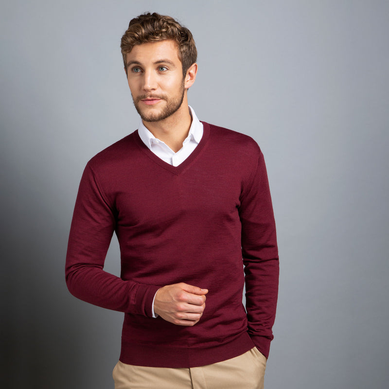 Extra Fine V-Neck in Burgundy Red, Made from Cashwool Merino wool sourced from the finest Australian sheep – FILOFINO Luxury Italian Knitwear