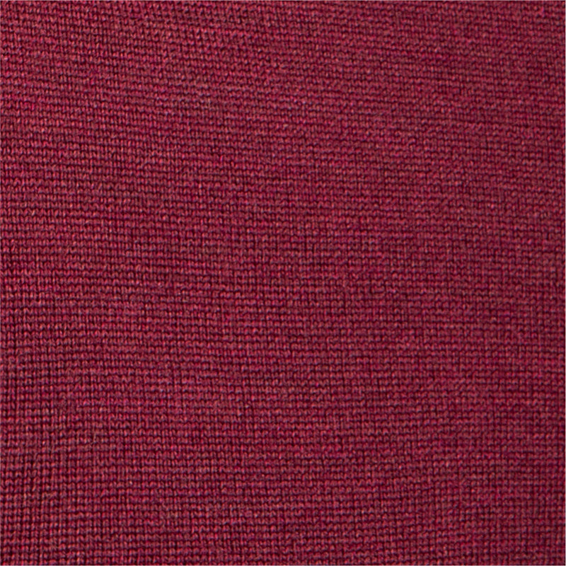 Extra Fine Merino Wool V-Neck in Burgundy Red, detail of yarn and knit stitch – FILOFINO Luxury Italian Knitwear