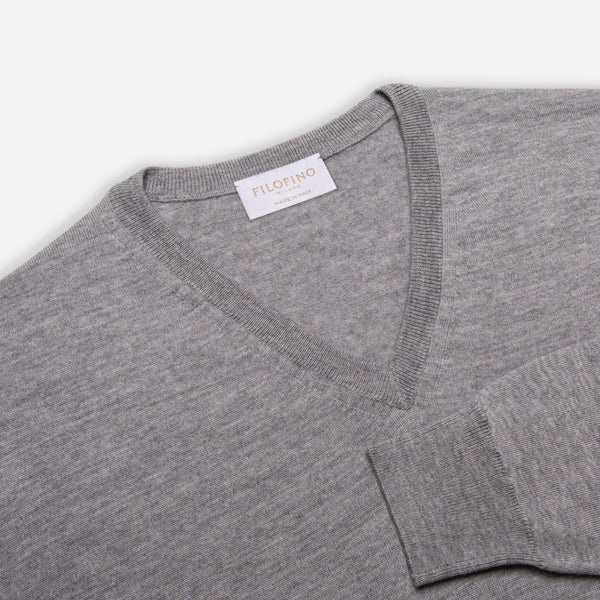 Extra Fine Merino Wool V-Neck in Light Grey, detail of collar and sleeve – FILOFINO Luxury Italian Knitwear