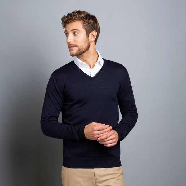 Extra Fine V-Neck in Navy, Made from Cashwool Merino wool sourced from the finest Australian sheep – FILOFINO Luxury Italian Knitwear