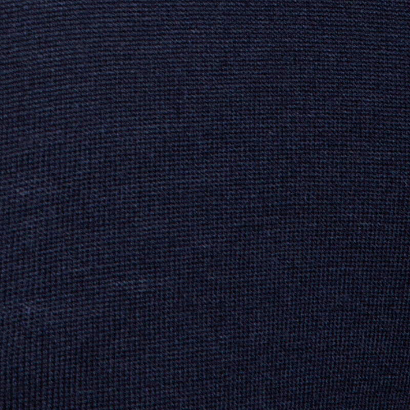 Extra Fine Merino Wool V-Neck in Navy, detail of yarn and knit stitch – FILOFINO Luxury Italian Knitwear