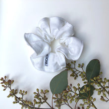 Load image into Gallery viewer, Linen Scrunchie (White)