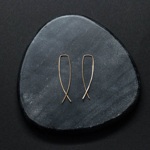 """pesce"" - artisanal hammered hoops"