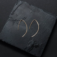 "Load image into Gallery viewer, ""giardina"" - artisanal hammered hoops"