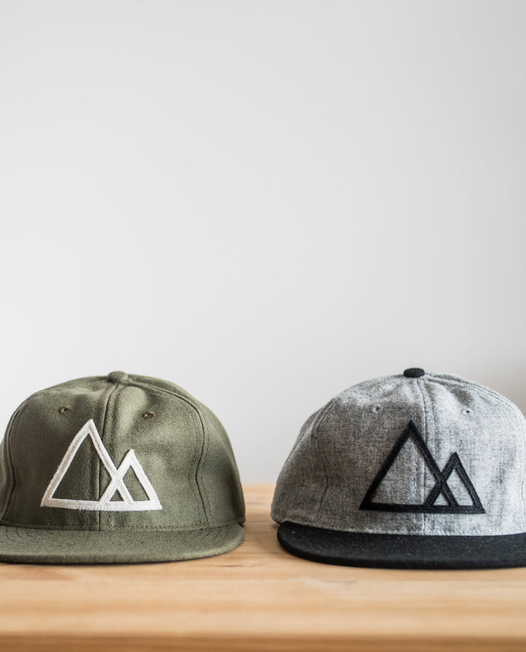 Mountains Baseball Cap (Gray/Black)
