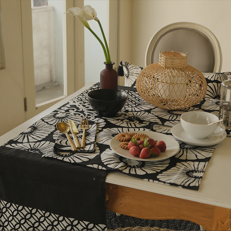 Balizen's Table Linens: Gorgeous eco-friendly fabric prints or authentic Bali handlooms. Choose from napkins, placemats, coasters, table runners, and tablecloths.