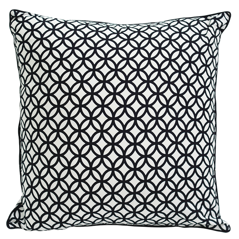 Cushion Cover | Rings Black & White (medium-large)