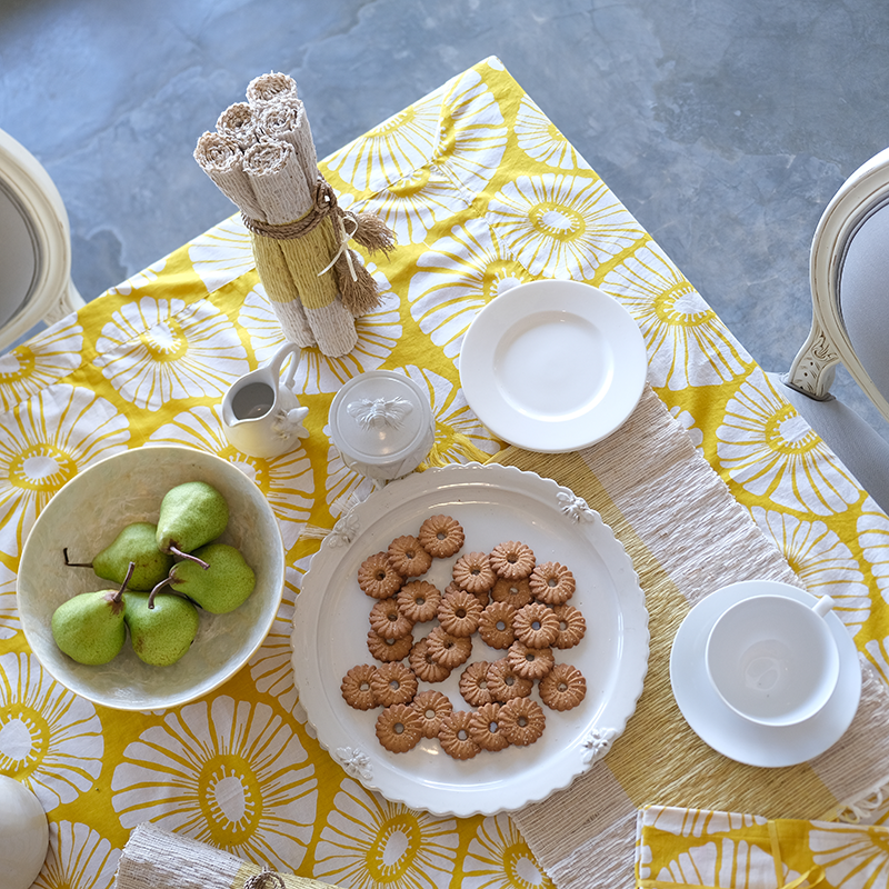 Tablecloth | Retro Flowers Yellow (2 sizes)