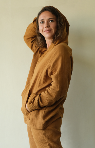 Cotton Crinkle Hoodie Caramel, 2 sizes