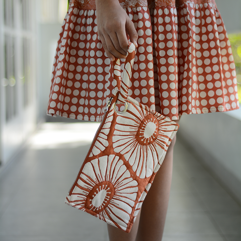 Retro Flowers Envelope Bag | Spice