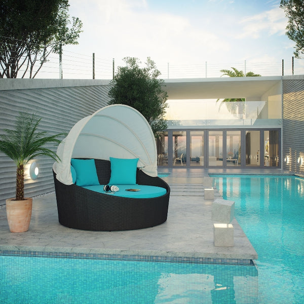 Outdoor Lounge & Chaise