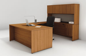 Concept 400E Plan 05 Workstation in Natural Cherry Laminate