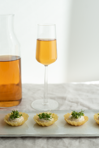 Cold brewed tea and croustades