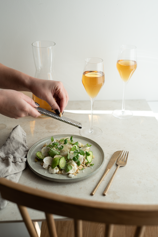 Spring onion salad with cold brewed tea