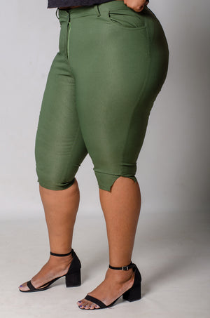 Phierce Fit Capri Pants - Green