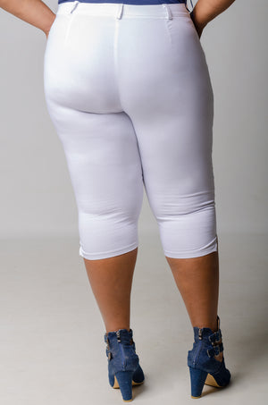 Phierce Fit Capri Pants - White