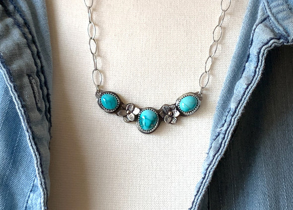 Carico Turquoise bar necklace