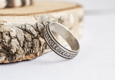Ring of Flowers Band Personalized