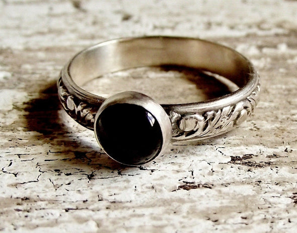 Floral Embossed Onyx Ring