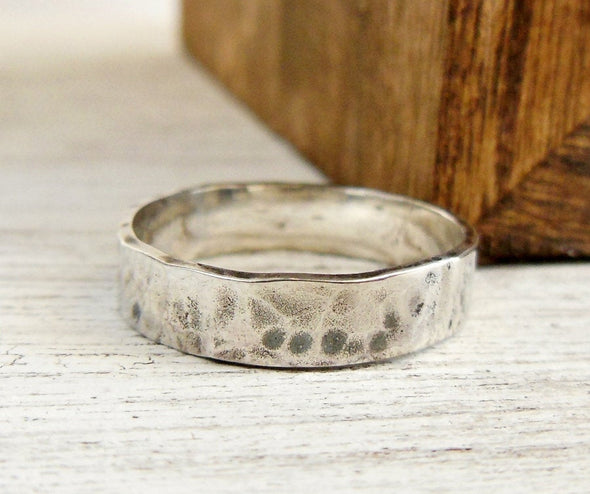Personalized Hammered Band 4mm