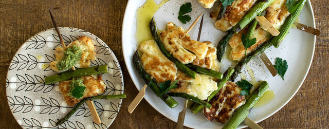 Grilled halloumi and asparagus skewers