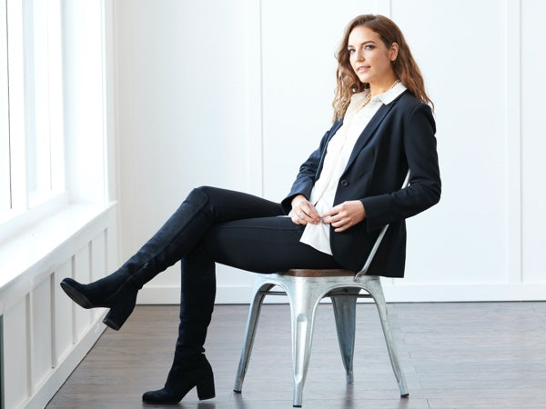 A woman wearing the Trevi blazer